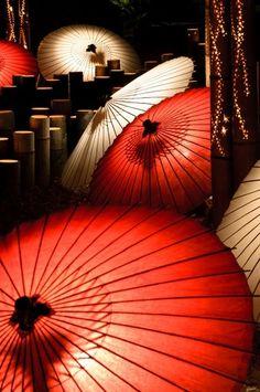 Dramatic parasols