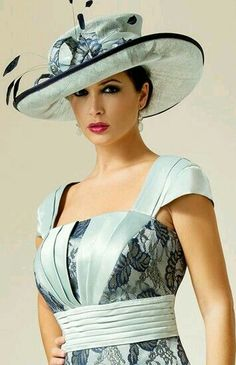 You could turn up to any of the best hotels in this fabulous design by Zeila. Fancy Hats, Cool Hats, Fascinator Hats, Headpiece, Fascinators, Mother Of The Bride Hats, Types Of Hats, Church Hats, Kentucky Derby Hats