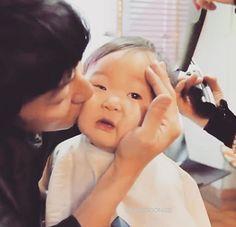 Daehan x Appa I Miss You Guys, Man Se, Song Daehan, Song Triplets, Cute Kids, Twins, Songs, Celebrities, Baby
