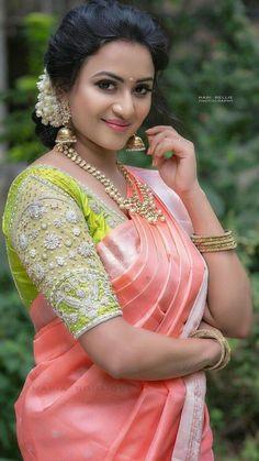 Best 12 get New look to your old sarees – SkillOfKing. Pattu Saree Blouse Designs, Half Saree Designs, Blouse Designs Silk, Bridal Blouse Designs, Blouse Back Neck Designs, South Indian Bride, South Indian Sarees, Stylish Blouse Design, Elegant Saree