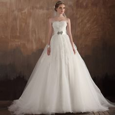 Strapless+Ball+Gown+charming+bridal+gown