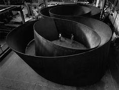Richard Serra-American born minimalist sculptor and video artist. Known for his all encompassing metallic installations. Richard Serra, Art Sculpture, Abstract Sculpture, Outdoor Sculpture, Metal Sculptures, Modern Sculpture, Bronze Sculpture, Naples, Safari