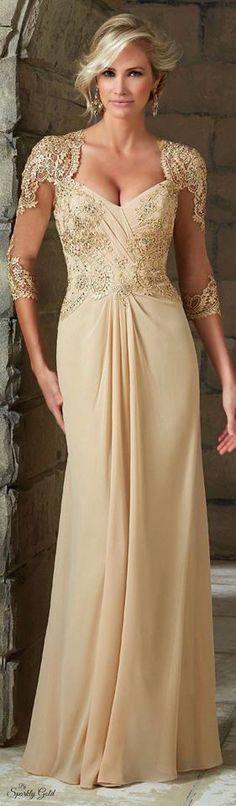 Cea mai recenta colectie de rochii de ocazie VM JAGLADY, creata special pentru anul vestimentar 2016, acapareaza admiratia fashionistelor de pretutindeni. Rochiile lungi defileaza cu modele inovatoare, suple si elegante. Paleta cromatica este una spectaculoasa, rosu pasional si albastru regalreprezinta etaloanele noii colectii de rochii de searaJAGLADY. Materialele sofisticate, satin, matase, broderiile handmade siaccesoriile glam creeaza un tablou perfect al modei atemporale. Rochiile…