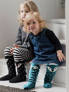 Novita wool socks, Kids fox socks made with Novita Venla yarn - Super knitting Kids Socks, Baby Socks, Knitting Socks, Baby Knitting, Knitting Patterns Free, Free Pattern, Fox Socks, Crochet Fox, Yellow Socks