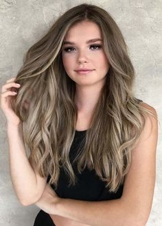 Long Wavy Ash-Brown Balayage - 20 Light Brown Hair Color Ideas for Your New Look - The Trending Hairstyle Brown Ombre Hair, Brown Blonde Hair, Brown Hair With Highlights, Light Brown Hair, Brown Hair Colors, Hair Color Shades, Cool Hair Color, Brown Hair Trends, Sophisticated Hairstyles