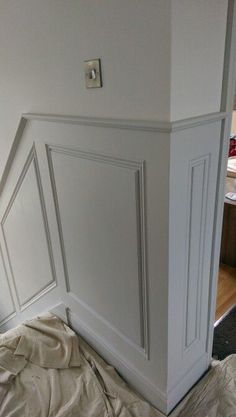 The coat of The Little Greene Paint Company& 161 French Gray applied to the panels with Slacked Lime 105 above is part of Stair paneling - Stair Paneling, Wood Paneling, Paneling Ideas, Wall Panelling, Stairway Wainscoting, Paneling Makeover, Dining Room Wainscoting, Stair Walls, Sweet Home