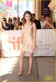 Anna Kendrick Has Her 'Cake' at the Toronto Film Festival 2014!