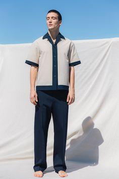 Deveaux Spring 2020 Menswear Fashion Show Men's Fashion, Fashion Show, Fashion Outfits, Stylish Men, Men Casual, City Model, La Mode Masculine, Grunge Outfits, Summer Shirts