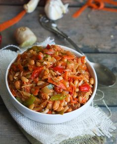 Chakalaka - Immaculate Bites Chakalaka- a refreshing spicy tomato bean relish that will provoke your taste bud. South African Dishes, South African Recipes, Ethnic Recipes, Braai Recipes, Cooking Recipes, Healthy Recipes, Vegetarian Recipes, Oven Recipes, Simple Recipes