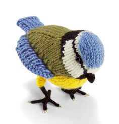 Knit Nature Motif: Blue Tit: Find the free toy bird knitting pattern here: link