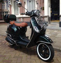 Vespa Gts 300, Vespa Gtv, Vespa Bike, Motos Vespa, New Vespa, Vespa Scooters, Motorcycle Bike, Jet Packs, Custom Vespa
