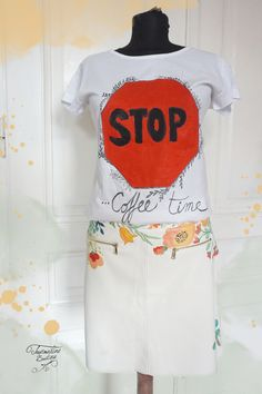 Tricou pictat. Stop. Coffee time. T Shirt, Color, Design, Fashion, Supreme T Shirt, Moda, Tee Shirt, Fashion Styles, Colour