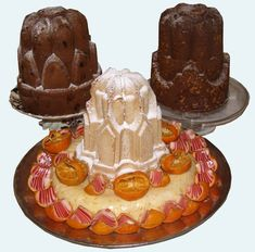 Savoy Cake with Oranges Recipe - This decorative cake would have been served among the sweet entremets of a Victorian dinner. British Baking, British Bake Off, Retro Recipes, Vintage Recipes, Vintage Food, Cooking Beets In Oven, Cooking Ribs, Entremet Recipe, Cooking Games For Kids