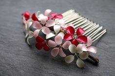 """Haarkämme - """"Candy Sparkles"""": Haarkamm mit Blüten, pink-rosa - ein Designerstück von Klara-Kleingeld bei DaWanda Kleiner Haarkamm mit Blüten und ein bißchen Glitter... 35.90€"""
