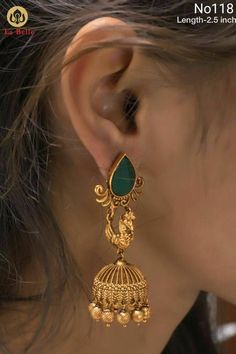 Gold earrings are one of the common and often used jewelry till date. Gold hanging earrings are in trend with heavy designs of gold and diamonds. Gold Hanging Earrings, Gold Jhumka Earrings, Jewelry Design Earrings, Gold Earrings Designs, Designer Earrings, Gold Jewelry, Peacock Jewelry, Gold Bangles, Necklace Designs