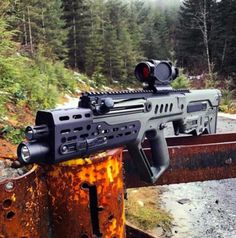 Any Tavor fans? _________________ Via old_booze Tavor Tar Best guns and rifles / _________________________________________________ Unknow author. Photo from vk . Weapons Guns, Guns And Ammo, Rifles, Weapon Of Mass Destruction, Fire Powers, Military Guns, Cool Guns, Assault Rifle, Tactical Gear