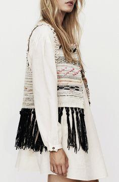 lostinfiber:  blueberrymodern/hand woven vest with fringe...