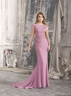Tendencias en vestidos de fiesta para invitadas a bodas en 2018 Trendy Dresses, Elegant Dresses, Nice Dresses, Fashion Dresses, Formal Dresses, Purple Evening Dress, Evening Dresses, Party Gowns, Party Dress