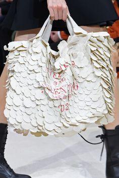 Bag Trends of Fall 2020 - The Best Bag Trends Worth Carrying in Fall 2020 Givenchy Designer, Dior Designer, Louis Vuitton Handbags Crossbody, Top Designer Handbags, Kate Spade Designer, Couture Handbags, Michael Kors Designer, Fall Bags, Textiles