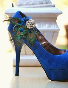 Peacock Wedding Shoes | http://simpleweddingstuff.blogspot.com/2014/02/peacock-wedding-decorations.html