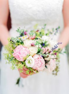 Pastel bouquet #wedding #weddings #aislesociety #destinationwedding