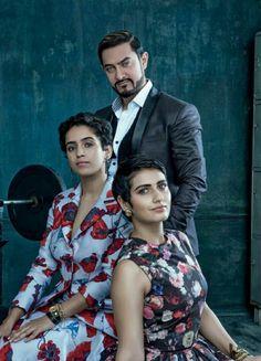 Aamir Khan.Dangal filmindeki kızlarıyla.