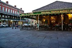 Cafe du Monde New Orelans - sunday breakfast on the miss river. I can't leave NOLA without stopping here.