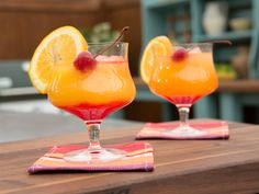 Tequila Sunrise recipe from Geoffrey Zakarian via Food Network 1 ounces tequila cup orange juice (plus a splash of triple sec) ounce grenadine syrup Orange slice, for garnish High-quality maraschino cherry, such as Luxardo, for garnish Tequila Drinks, Fruity Cocktails, Summer Cocktails, Alcoholic Drinks, Cocktail Party Food, Cocktail Drinks, Fun Drinks, Yummy Drinks, Tequila Sunset Recipe