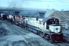 Lehigh Valley, Train Tracks, Locomotive, Roads, Trains, Diesel, Real Life, Travelling, Modeling