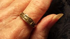 BEAUTIFUL 10K Gold Wedding Band w/ Tiny Rose Cut by ceiltiques