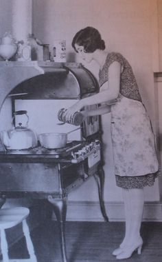 1925 kitchen