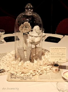 centerpiece - reminds me of beauty & the beast<3