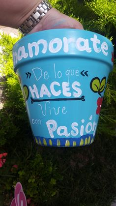 Painted Flower Pots, Clay Pots, Ideas Para, Decoupage, Diy And Crafts, Cactus, Planter Pots, Objects, Cool Stuff