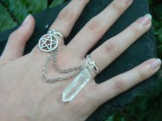 pentagram ring wiccan ring quartz double ring por gildedingypsy
