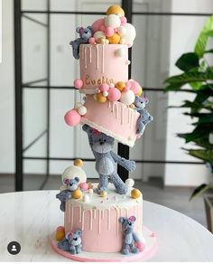A birthday party is a special occasion to everybody celebrate every year.A special birthday cake is a must. What birthday cake ideas you should try, then? Pretty Birthday Cakes, Special Birthday Cakes, Baby Birthday Cakes, Bear Birthday, Girl Birthday, Birthday Cake Designs, Birthday Cake Decorating, Baby Cakes, Baby Shower Cakes