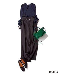 一日会社で作業の日は、楽ちんな格好がいちばん。秋は、着心地のよいニットにワイドパンツのワンツーコーデに、足もとはフラット靴でまとめて。腰高ボトムを選べば、ずどんと見えずスタイルよく。全身をネイビーやブラックでまとめれば、細身え効果もあいまって、さらにすらりと見えます。 スカート¥・・・