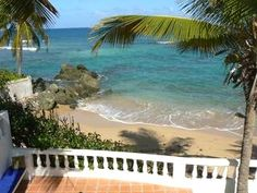 Los Cocos, Beachfront Casa in Prime location - Vieques, Puerto Rico