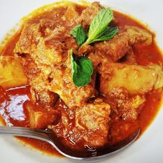 Pork Curry With Potatoes - Burma Superstar - Zmenu, The Most Comprehensive Menu With Photos Pork Curry Recipe, Curry Recipes, Pork Recipes, Slow Cooker Recipes, Cooking Recipes, Burmese Recipes, Burmese Food, Indian Food Recipes, Asian Recipes