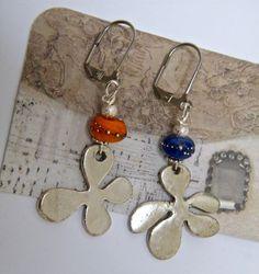Boucles d'oreilles dormeuses, pendentif laiton argenté, perles soucoupes verre, perles diamantées, fait main : Boucles d'oreille par mes-creations-plaisir