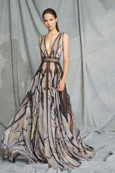 Zuhair Murad Resort 2019 Paris Fashion Show Collection: See the complete Zuhair Murad Resort 2019 Paris collection. Look 21