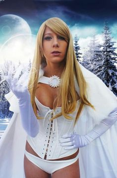 Character: Emma Frost (aka The White Queen) / From: MARVEL Comics 'The Uncanny X-Men' / Cosplayer: Constantine In Tokyo