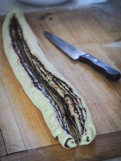 Čokoládový veniec z kvásku - Zo srdca do hrnca Olympus Digital Camera, Pie, Banana, Fruit, Ethnic Recipes, Food, Torte, Pastel, Meal