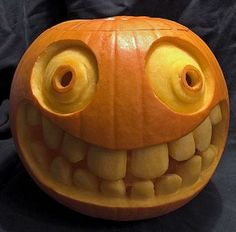 Need some creative juice to help you to carve that big pumpkin you just picked up? We have 38 great ideas to help you carve your pumpkin this Halloween. We want to give you some inspiration for carving your pumpkins Amazing Pumpkin Carving, Pumpkin Carving Patterns, Funny Pumpkin Carvings, Cool Pumkin Carving Ideas, Feliz Halloween, Happy Halloween, Halloween 2017, Halloween Celebration, Halloween Party