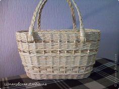 Поделка изделие Плетение И у меня есть сумочка-корзинка Бумага газетная Трубочки бумажные фото 2