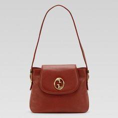 251809 A7mot 6315 Gucci 1973 Medium Umh?ngetasche mit Oval Gg Und Gucci Damen Handtaschen