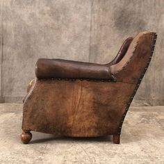 Nice pair of 1920 leather club chairs HB HS W D Metal Walls, Metal Wall Art, Roman Clock, Love Chair, Leather Club Chairs, Metal Clock, Private Club, Accent Chairs For Living Room, Leather Furniture