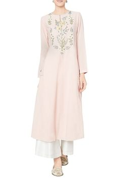 Shop Anita Dongre - Blush cotton georgette tunic Latest Collection Available at Aza Fashions Anita Dongre, Pakistani Outfits, Indian Outfits, Indian Clothes, Embroidery Suits Design, Tunic Designs, Indian Designer Suits, Indian Ethnic Wear, Indian Kurta