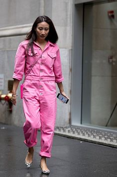 101 Best Street Style Looks From New York Fashion Week Spring 2019 New York Street Style, Best Street Style, Street Style Trends, Spring Street Style, Cool Street Fashion, Street Style Looks, Spring Style, Fashion Outfits, Fashion Tips