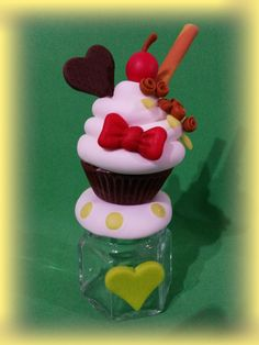 Homemade Valentines, Valentine Day Gifts, Doll Crafts, Clay Crafts, Jumping Clay, Clay Jar, Pasta Flexible, Polymer Clay Charms, Paper Clay