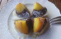 Pesche ripiene agli amaretti e cacao - Dolce light